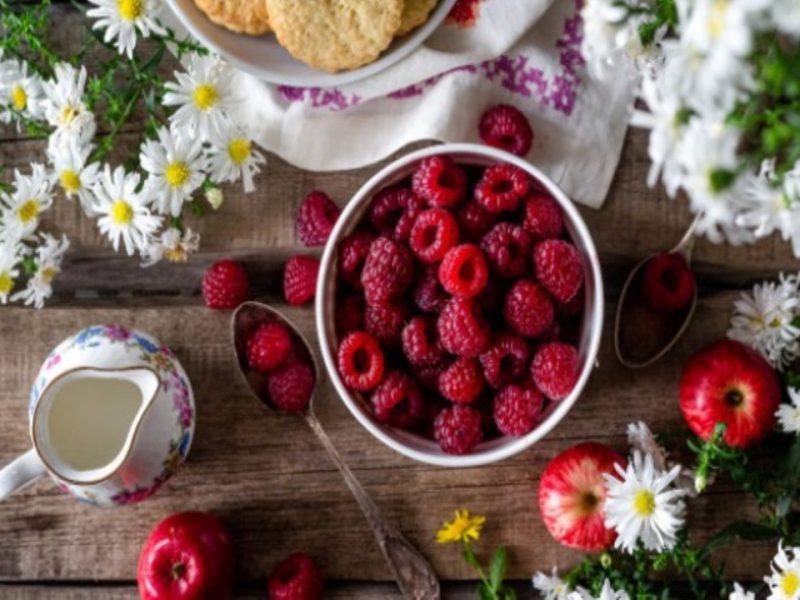 В сезона на плодовете-чудо: Каква е тайната на къпините и малините