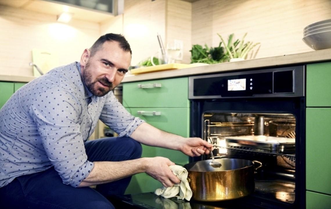 Кулинарни археолози начело с шеф Андре Токев