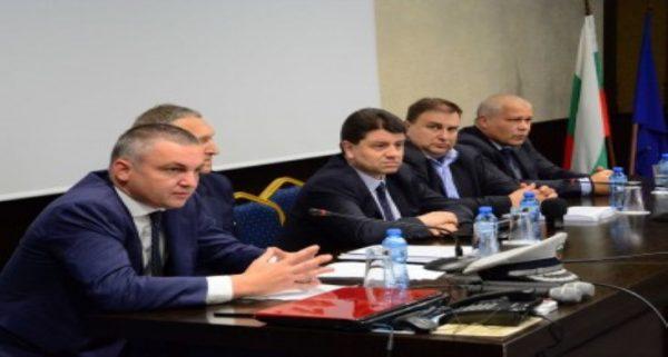 Кметът Иван Портних участва в дискусия за пътната безопасност