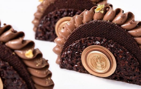 Луксозна шоколадова архитектура