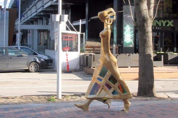 Приеха схемите за поставяне на пет нови художествени пластики във Варна