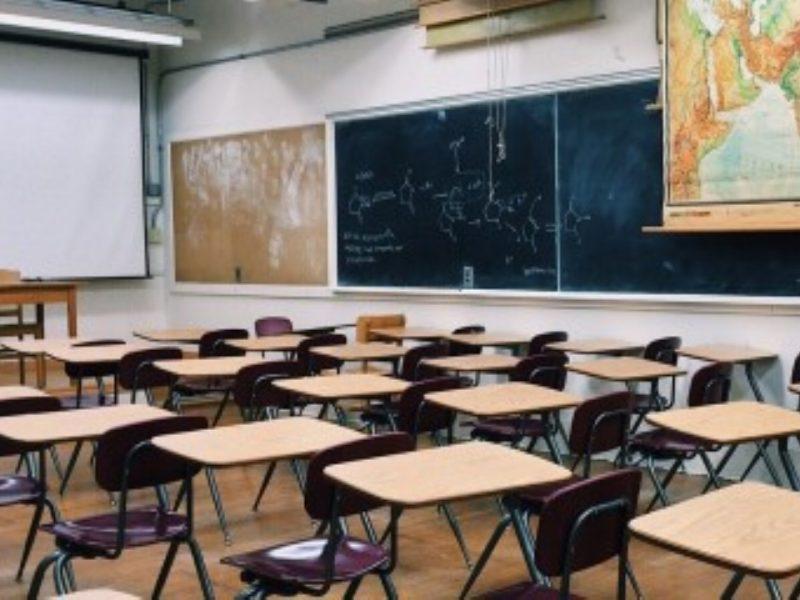 Почти цели паралелки са празни във Варна след второто класиране за прием в 8 клас