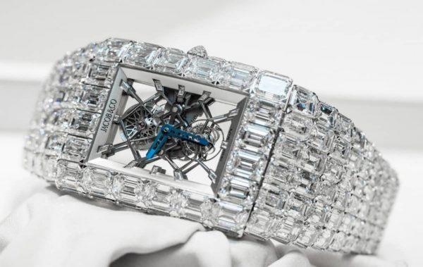 Флойд Мейуедър с часовник за      18 млн. $