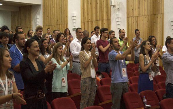 Безплатни програми за млади хора организират във Варна