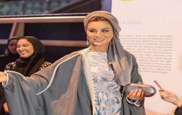 Шейха Моза: Най-модерната и влиятелна жена в арабския свят