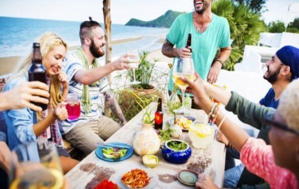 Отново правят най-дългата вечеря на плажа във Варна