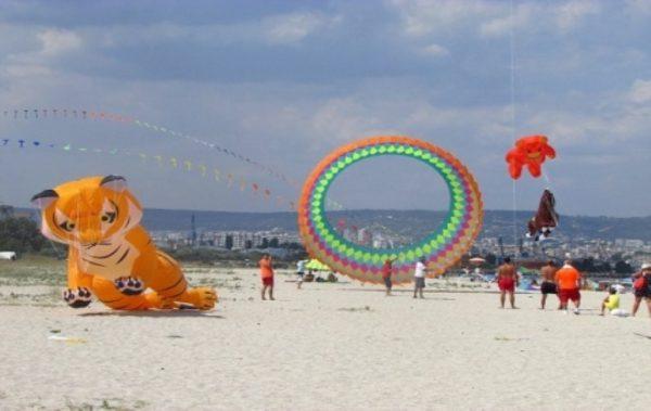 """Фестивала на хвърчилата ще се проведе на 18 и 19 август на плажа в """"Аспарухово"""""""