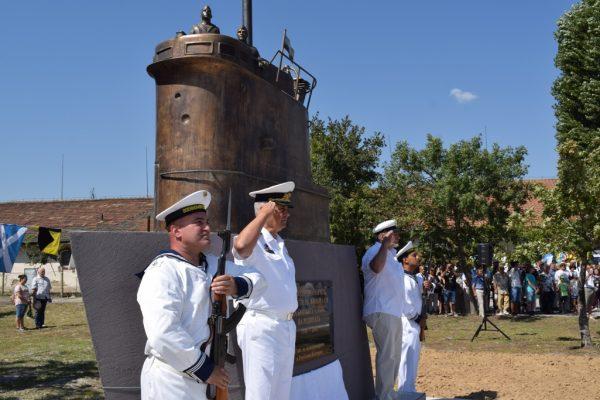Варна вече има паметник на подводничарите