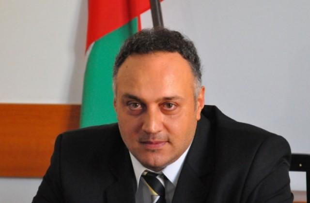 Стоян Пасев свиква извънредна комисия за укрепването на брега