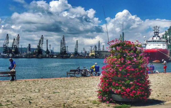 Разширяват пешеходната зона на пристанището във Варна