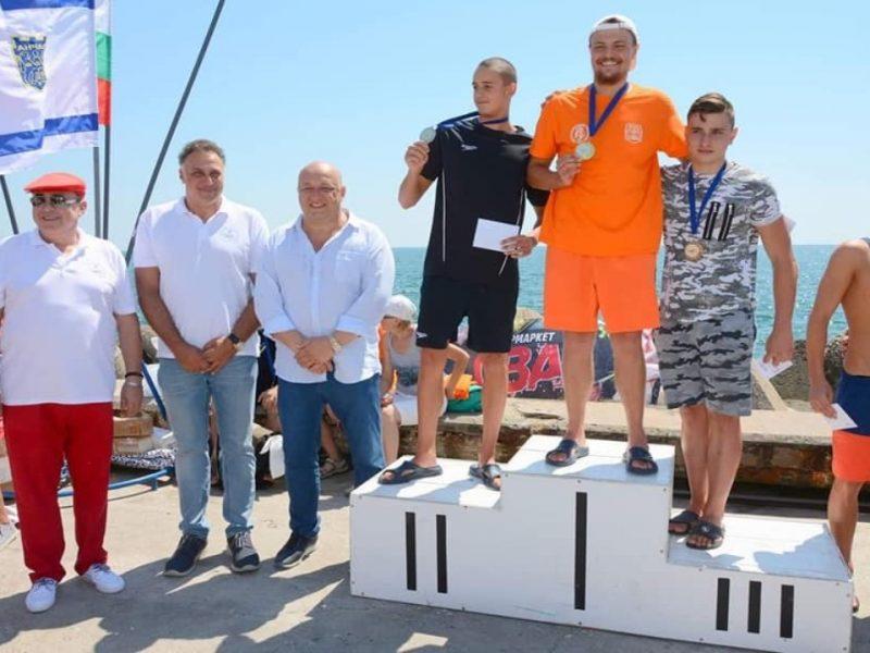 """Стоян Пасев и Красен Кралев участваха в награждаването на победителите от плувния маратон """"Галата – Варна"""""""