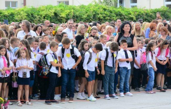 35 хиляди ученици във Варна прекрачват училищния праг