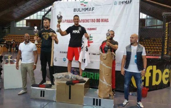 Варненски ММА бойци триумфираха на държавното първенство (СНИМКИ)
