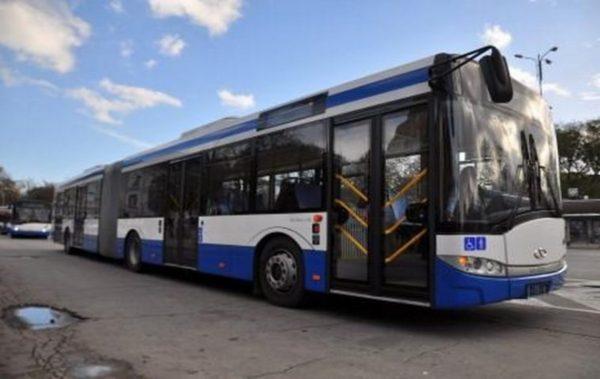 Във Варна издават безплатни карти за градски транспорт на деца до 7 години