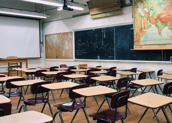 Над 300 ученици от Варненско върнати в образователната система