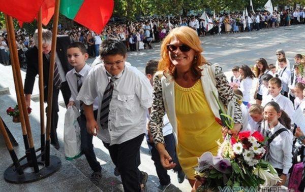 Десетки са свободните места за учители във Варна