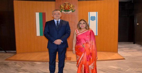 Варна пак влиза в индийските филми