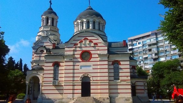 """Откриват неделно училище в """"Света Петка"""" във Варна"""