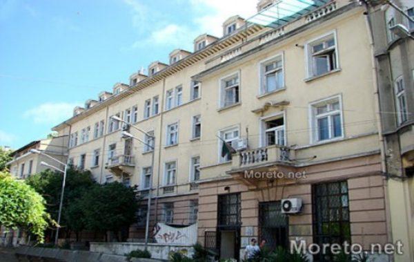 Среднистите във Варна с по-голям шанс на пазара на труда от висшистите