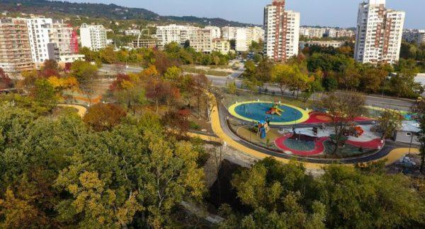 """До дни откриват новия парк във """"Възраждане""""  Копирано от: https://novavarna.net Нова Варна ©"""