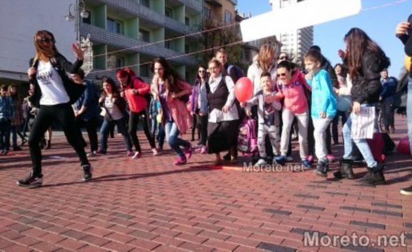 Варненска гимназия организира благотворително бягане в помощ на две деца