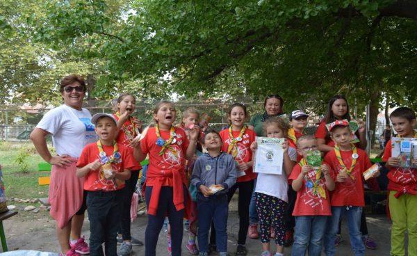 Доброволци засадиха над 100 растения и 30 дървета във Варна