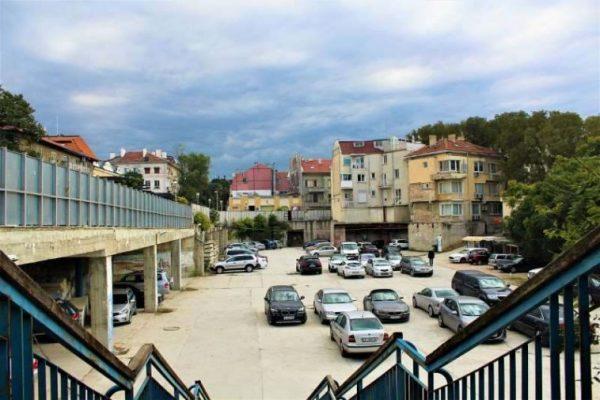 Какво може изникне на мястото на Дупката във Варна?