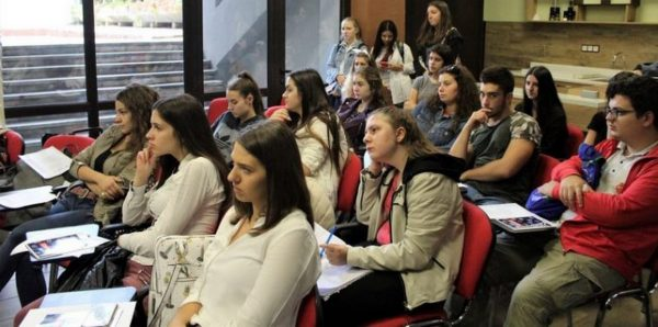 Франция привлича студенти от Варна с ниски такси и стипендии (СНИМКИ)