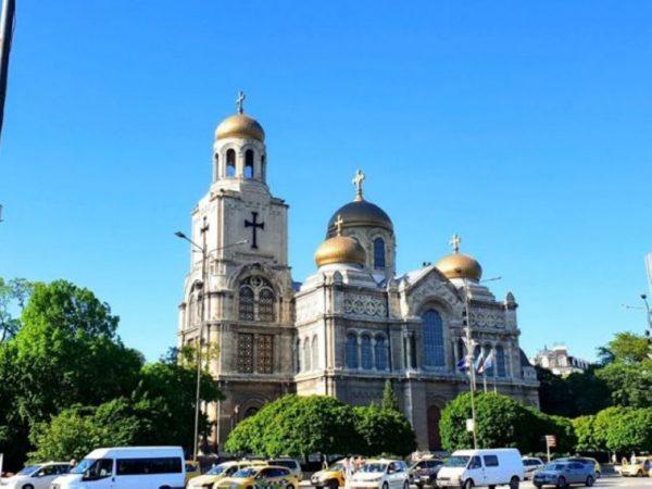 Във Варна отслужиха молебен за децата с увреждания
