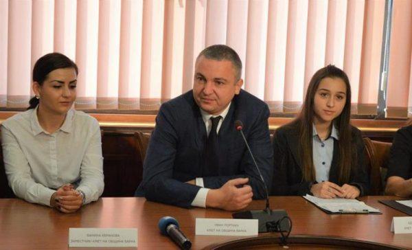17-годишна ученичка стана кмет на Варна за ден