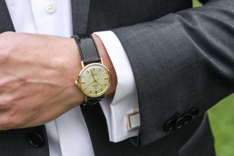 Мъжете вече носят неработещи часовници. Защо?