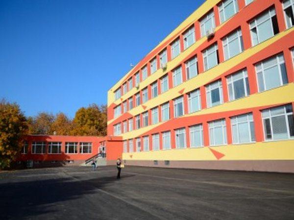 """След 42 години Професионалната гимназия по икономика """"Д-р Иван Богоров"""" е напълно обновена"""