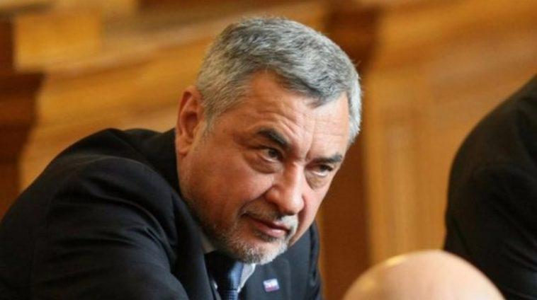 Протест и във Варна за оставката на Валери Симеонов