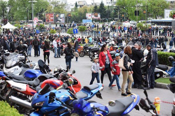 Мотоклубове отново ще подарят коледен обяд на нуждаещи се във Варна