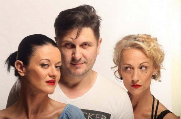 """Асен Блатечки поставя комедията """"Горещо"""" днес на варненска сцена"""