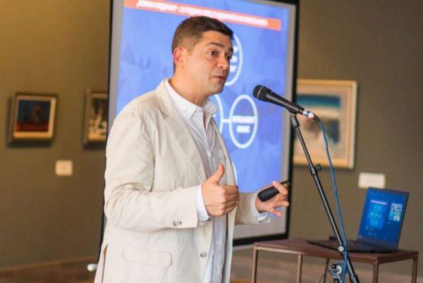Милен Врабевски с публична лекция във Варна днес