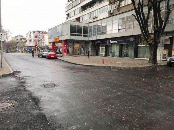 """Асфалтираха ул. """"Георги Бенковски"""", очакват се задръствания заради стеснен участък"""