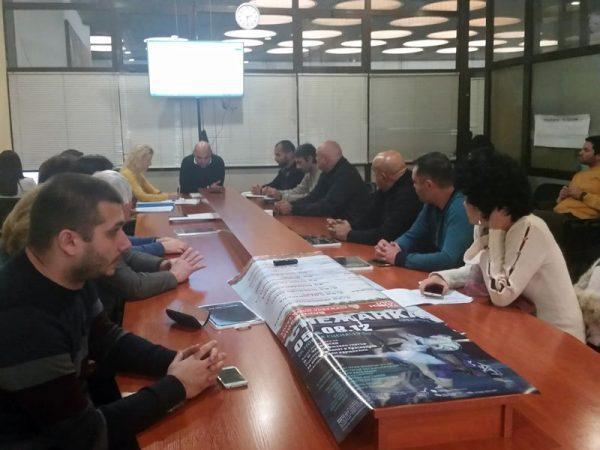 """Експертна група ще обсъжда изграждането на """"балон"""" на басейн Приморски във Варна"""