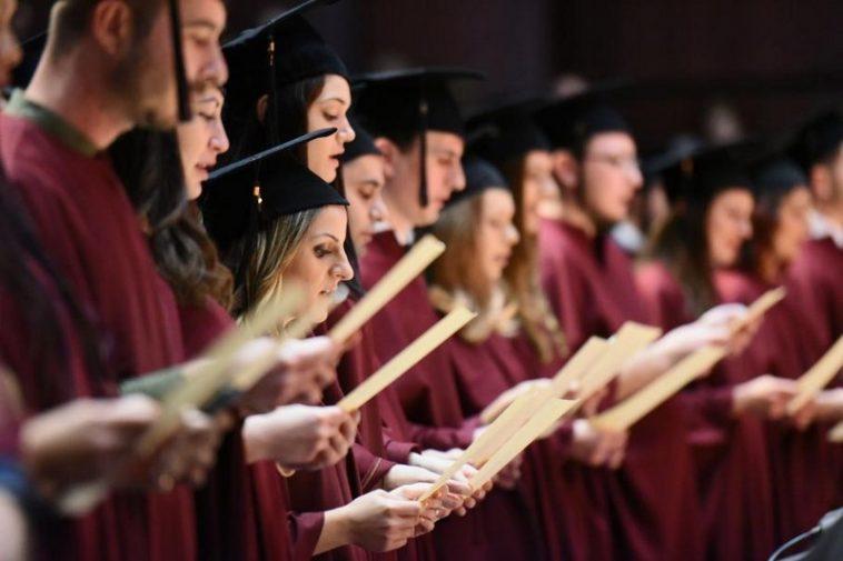 155 лекари от 11 държави се дипломираха във Варна (СНИМКИ)