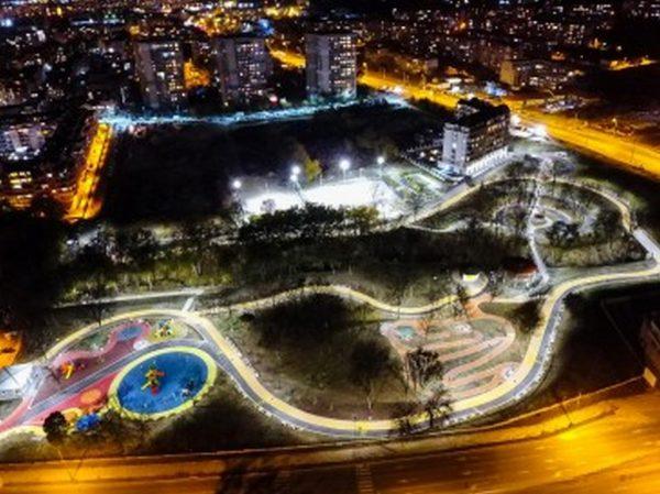 """Готов е новият парк във """"Възраждане"""""""