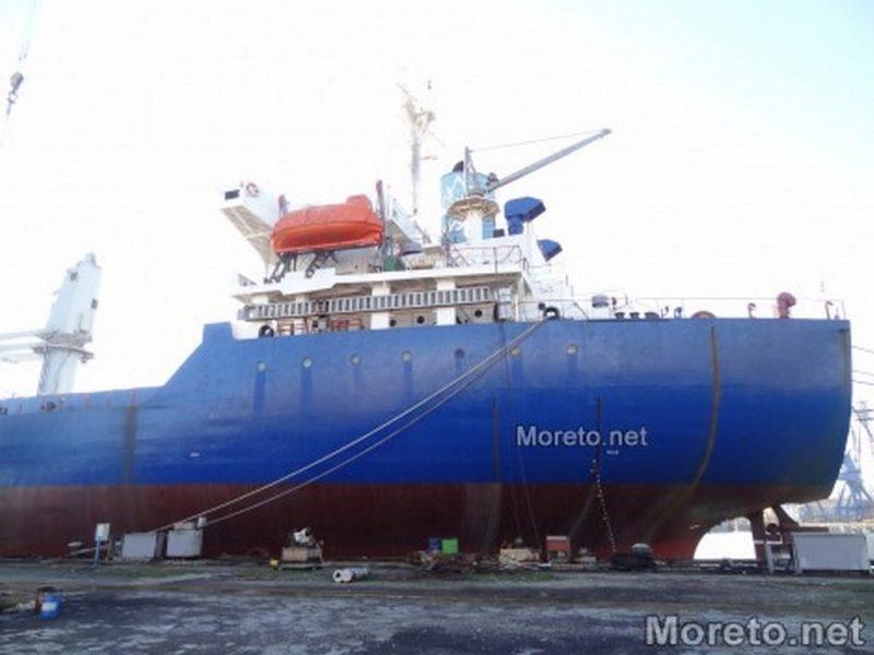 Смятат да режат бракувани кораби в местност Лъджата край Аспарухово