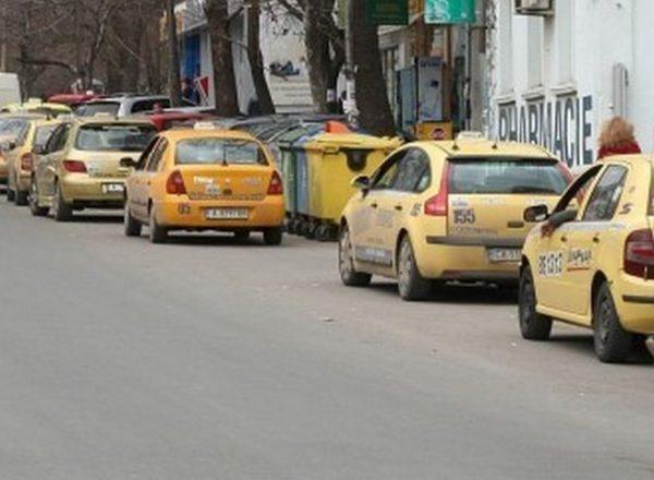 По-малко таксита във Варна в новогодишната нощ! Подгответе се да бръкнете надълбоко