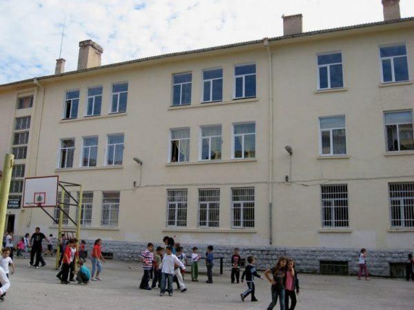 Ремонтират още две училища и една детска градина във Варна