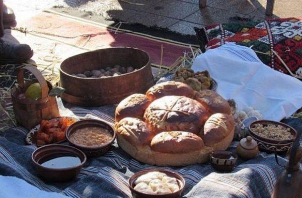 Традиции и обичаи за Бъдни вечер (СНИМКИ)