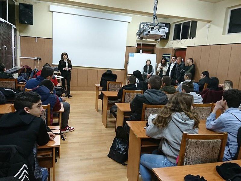 Съдии от Районен съд–Варна провеждат образователни срещи на правни теми с над 350 ученици