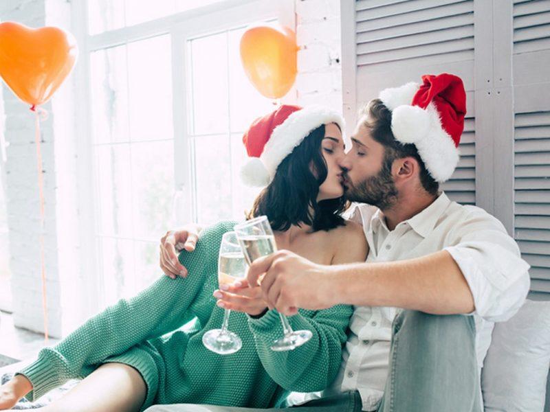 Празнични секс пози и ролеви игри за празничната нощ