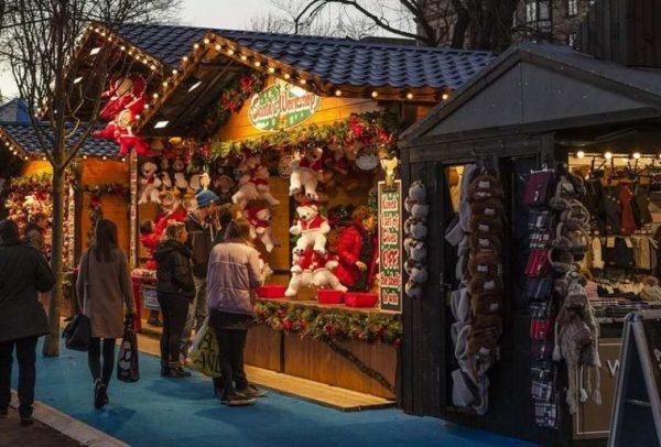 """Коледният дух превзема квартал """"Младост"""""""