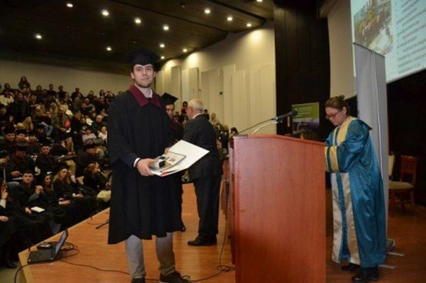 197 абсолвенти от Електротехническия факултет получиха дипломите си за висше образование