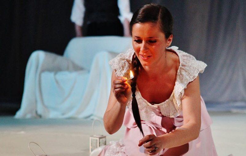 Актрисата Мариела Топалова: Да бъдем по-добри и по-смирени