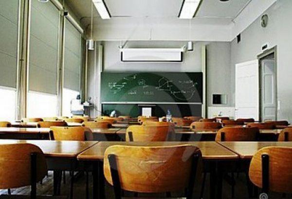 Общински съветник: Поне 30% от класните стаи във Варна да имат мултимедия